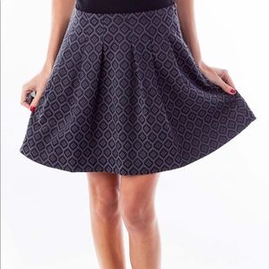 Banana Republic Diamond Print Pleated Skirt 4